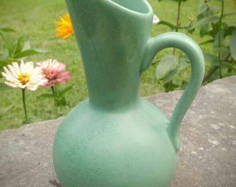 Vintage Royal Haeger USA matte green vase/jug
