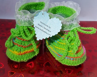 Green baby booties, baby boots, kids day best baby booties, kids boots, new mom handmade baby booties, gifts, new dad girl baby booties