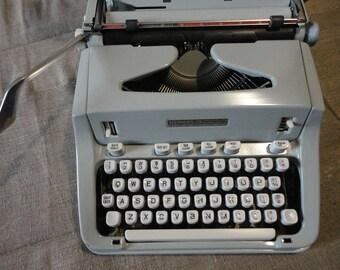 Typewriter Hermes 3000 Made in Switzerland