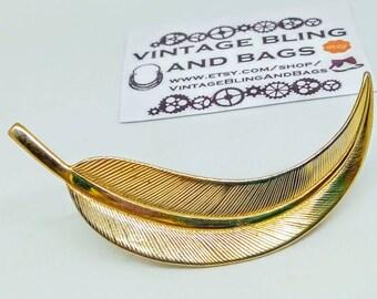 Leaf or feather Vintage brooch, vintage pin, vintage leaf brooch, vintage leaf pin, vintage feather brooch, vintage feather pin, valentine's