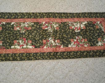 log cabin tablerunner