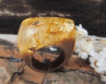 Resin gold ring, wood resin, wood ring, resin rings, wood resin ring, gold flakes resin, wooden jewelry, wood ring resin, eco resin ring
