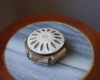 Vintage Noble Tibet, Bone Jewelery Box