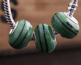 2 GREEN BLACK LAMPWORK BEADS. ROUND LARGE HOLE RONDELLE. 14x9mm