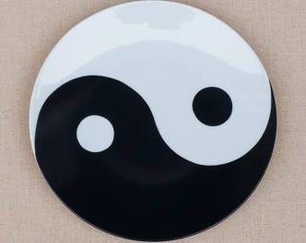 Set of 6 Yin and Yang plates