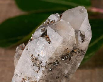 One Medium WITCHES FINGER QUARTZ Crystal - Raw Quartz Point, Healing Crystal, Healing Stone, Meditation Crystal, Rocks and Gems E0481