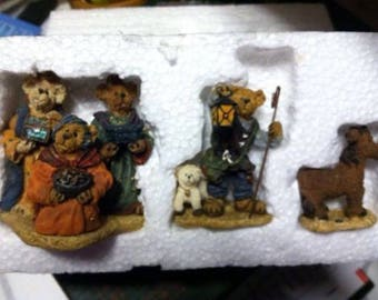 New in box Boyds Bears, Bearstone Collection. Bearstone Followin' YOUNDER STAR NATIVITY