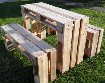 Table and two pallet benches