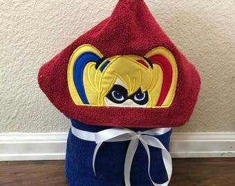 HARLEY QUINN Embroidered hooded towel