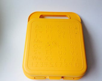 Vintage Tupperware TuppertoysYellow Plastic Lunchbox/Vintage Tupperware/Vintage Lunch Box/Vintage School Supply/Vintage Kids