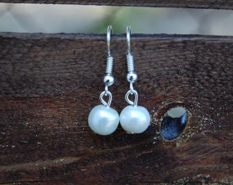 Freshwater Pearl drop earrings, Pearl White