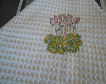 towel d personalized embroidered white bee nest