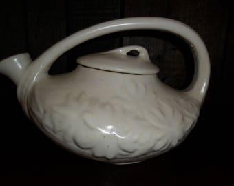 Vintage McCoy Pottery Teapot~Daisy Pattern~Ivory~1940's