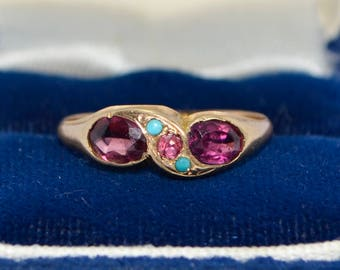 1913 15ct YELLOW GOLD, Rhodolite Garnet, Turquoise & Ruby Unusual RING - Sz M (Us 6.25)
