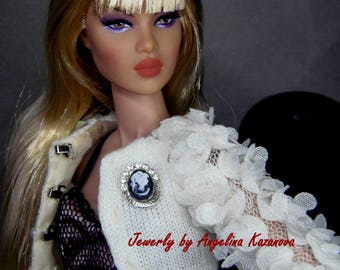 "Jewelry for dolls 12"" Fashion royalty, Poppy Parker - BROOCH Black cameo - magnetic closure"
