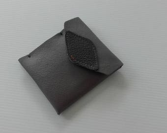 Wallet(Portfolio), carries card man black and grey leather.