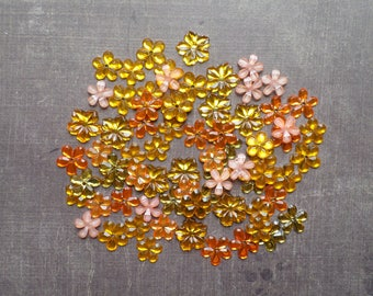 Lot 100 rhinestones form flower 9mm to 1.2 cm shade yellow Orange