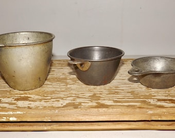 Aluminum measuring cups,set of 3,kitchen utensil,baking,bakery decor,camping cups,small planters,tin cups,Katzinger,metal measuring cups