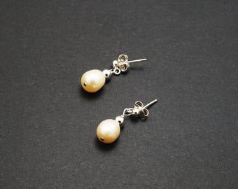 Sterling Silver, Fresh Water Pearl Stud earrings