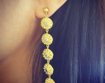 Pikul Flowers Dangling earrings.