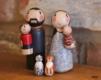 Custom peg doll family of 6 - 2 adults, 2 child pegs & 2 pet size