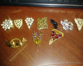 Lot of 7 ( seven ) Brooches