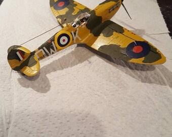 Spitfire MKla  1:72 Scale