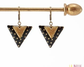 Black dot and enameled resin triangle earrings glitter