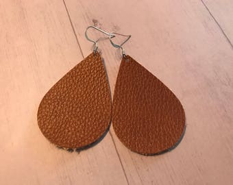 Trendy leather earrings