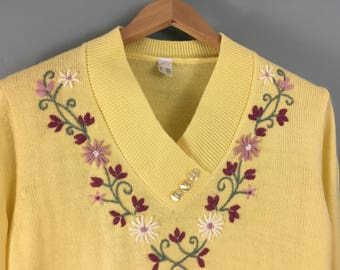 Vintage yellow embroidered V neck jumper UK 10/12 acrylic