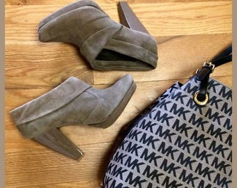 Kenneth Cole Reaction Cold Stir Green Suede Ankle Boots Sz 7