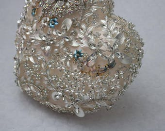 Heart shaped brooch bouquet