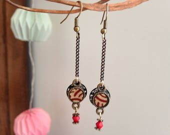 Earrings in gold and Red Japanese paper.