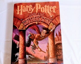 Harry Potter and the Sorcerers Stone 1997~ Hardbound JK. Rowling (Like New)