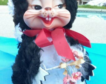 Vintage 1960's Rushton Star Creations Rubber Faced Skunk With Hat & Flowers Excellent Condition