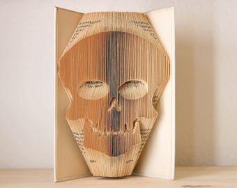 Skull-Folded book