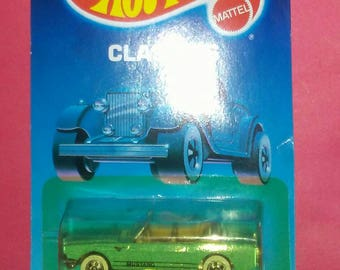 Hot Wheels Classic 1965 Mustang Convertible new on card torn hook