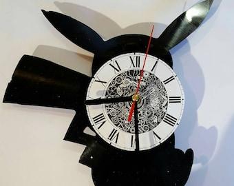 Vinyl 33 clock turns up pikatchu theme