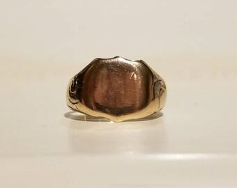 Antique Edwardian shield shaped signet ring 1904
