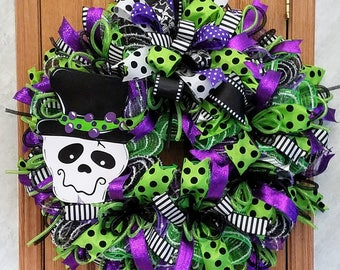 XL Halloween Skeleton Wreath, Whimsical Wreath, Front Door Wreath, Halloween Door Decor, Wall Wreath, Front Porch Wreath, Skeleton Decor