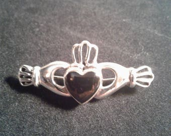 Sterling Silver Onyx Celtic Claddagh pin