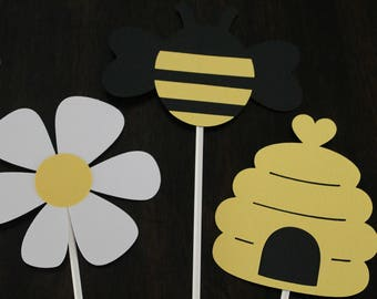 Mommy to bee centerpiece sticks | Bee baby shower centerpiece | Mommy to bee baby shower theme | Bee baby shower decorations | Bee birthday