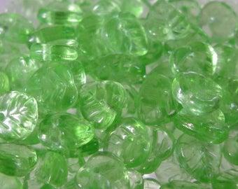 25 beads 9mm Bohemian Czech glass leaves
