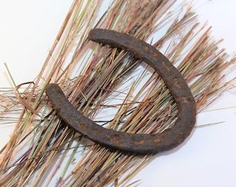 Vintage Rusty Horseshoe, Real Authentic Rusty Horseshoe, Used Texas Horseshoe