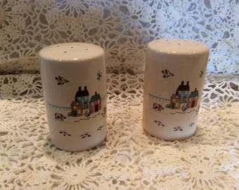 Folk Art salt and pepper shakers