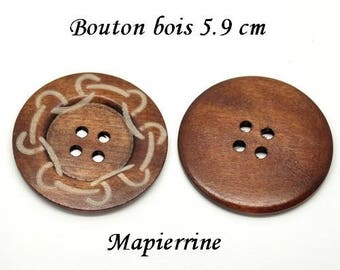 1 button wood 5.9 cm wood decorated