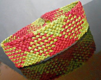 """Green Veronese and Garnet"" woven macrame bracelet"