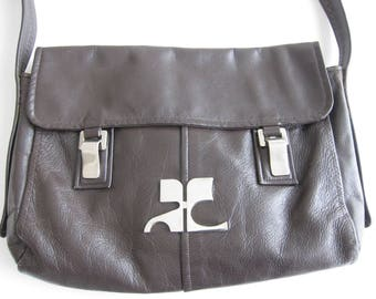 Courreges, 1970's brown leather Messenger bag. Signed and valued. Rare model.