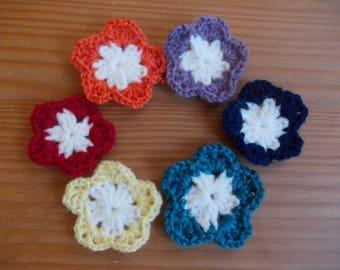 Set of six crochet flowers in wool