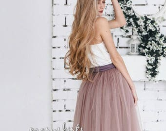 Tulle skirt with matching lining, fixed waistband with hidden zipper (color 48 - Taupe)